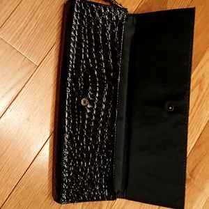 Unbranded Bags - Unbranded black PVC clutch